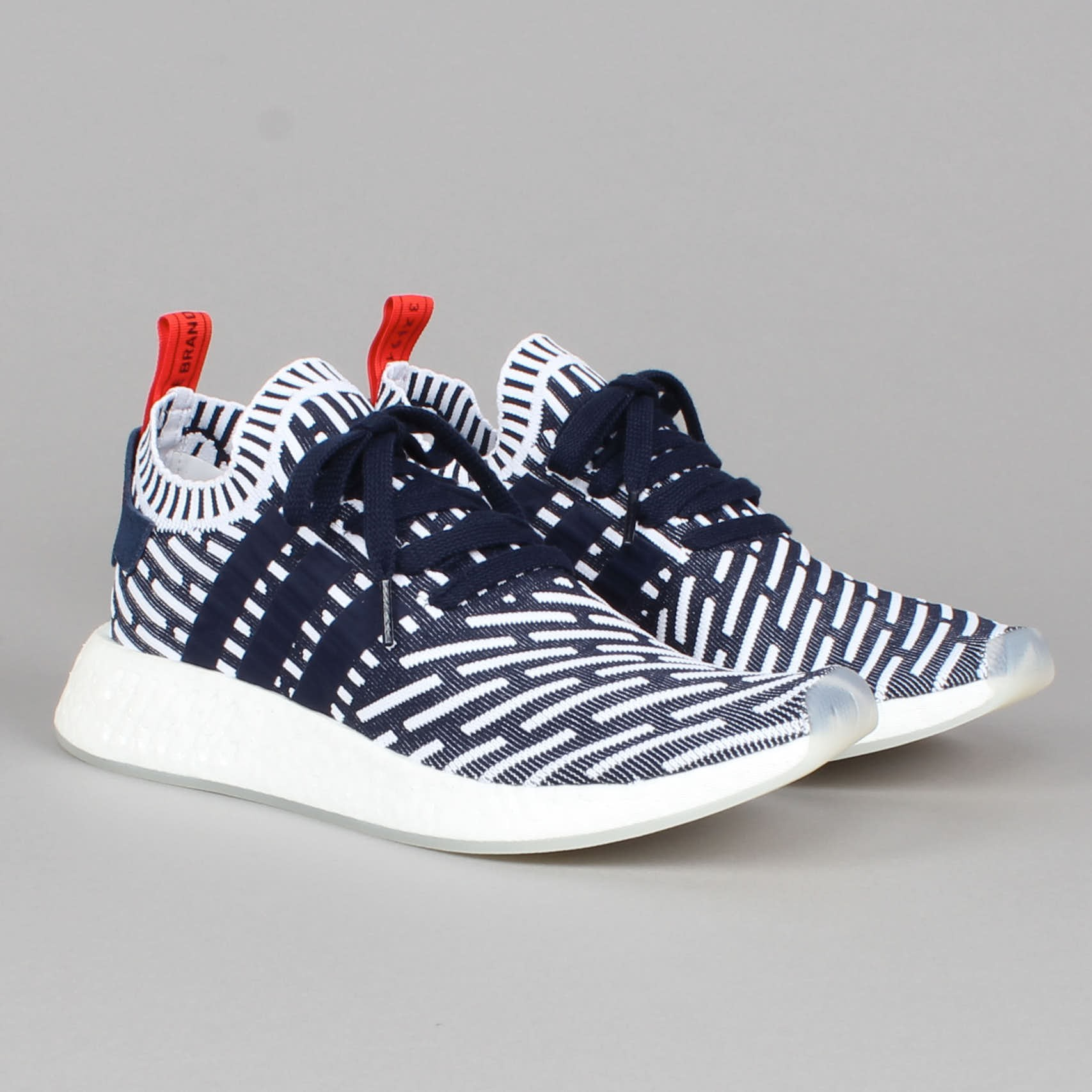 huge selection of 9c749 a2c21 adidas nmd r2